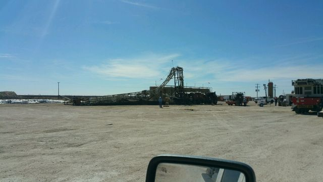 Rig Collapses, One Man Injured